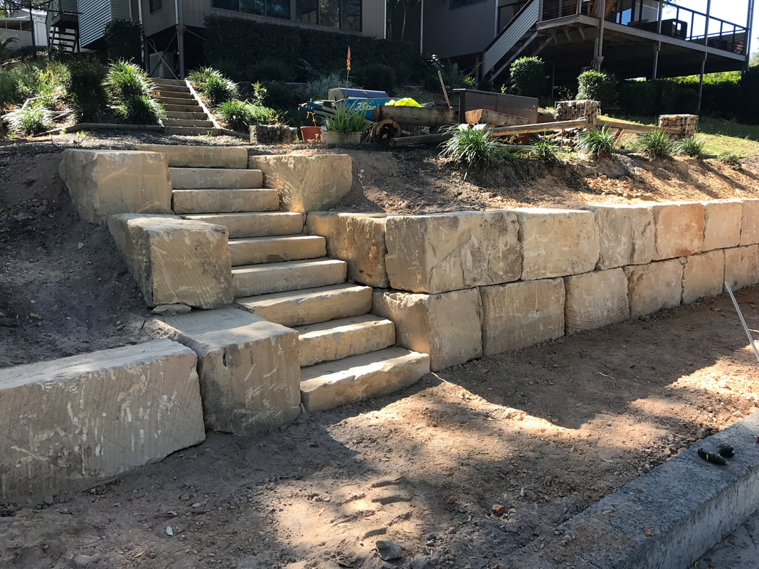 Superior rock walls B premium sandstone wall with steps